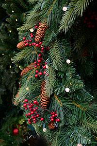 lighted-wreaths